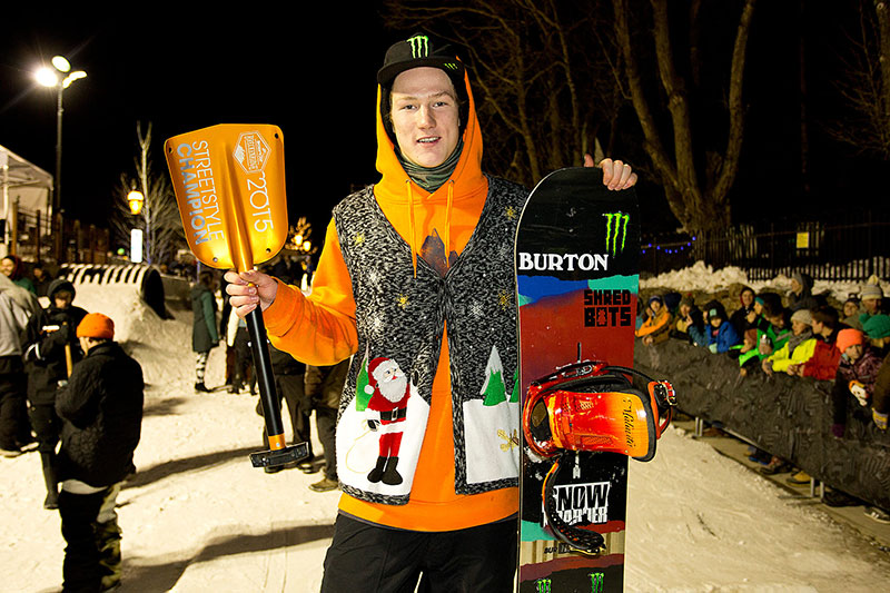 Men Street Style - 1. Platz Darcy Sharpe - Foto: Chris Ortiz / Dew Tour