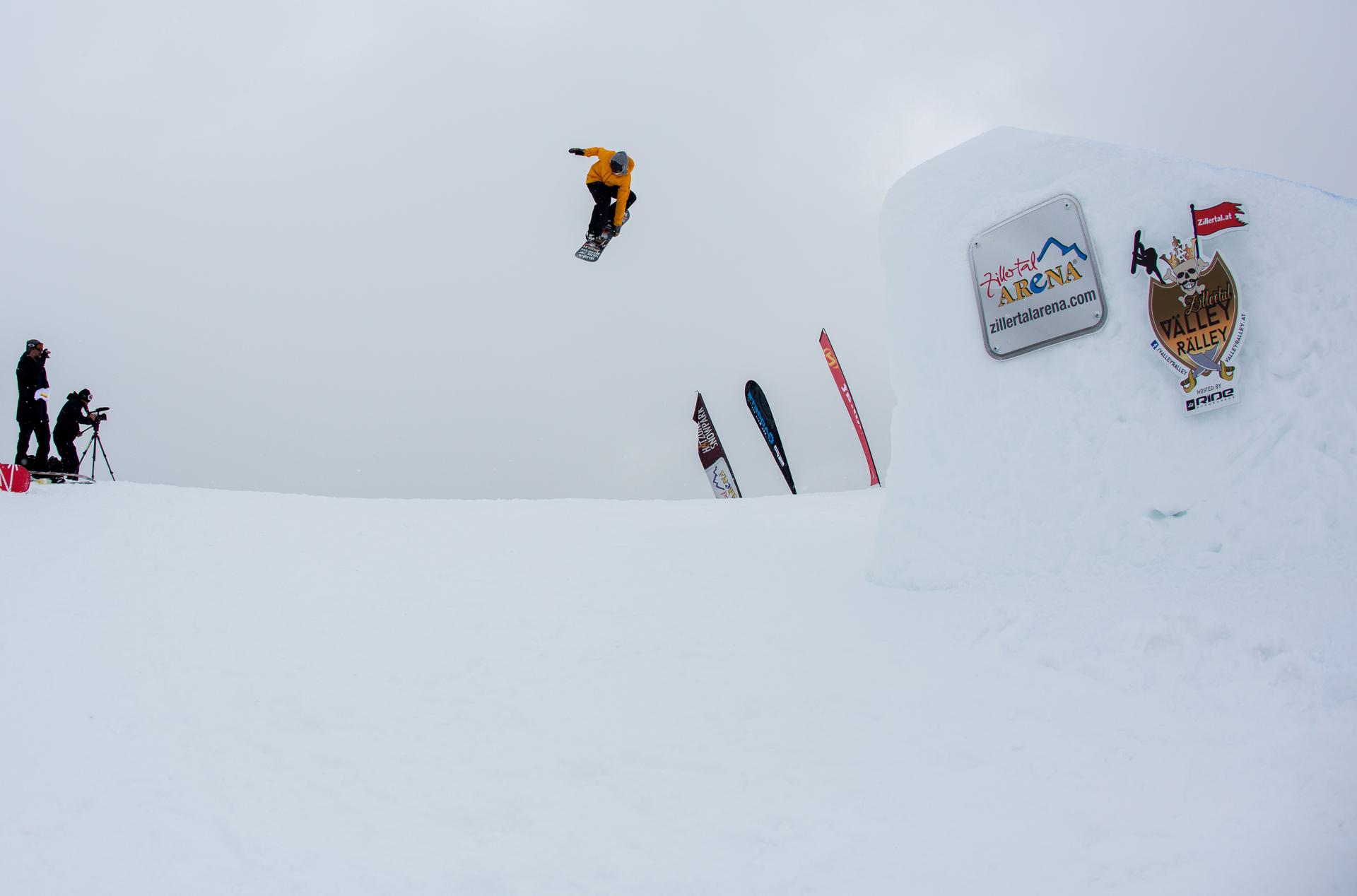 2. Tourstop Zillertal Arena - Snowpark Gerlos - Rider: Maxi Preissinger - Foto: Matt McHattie