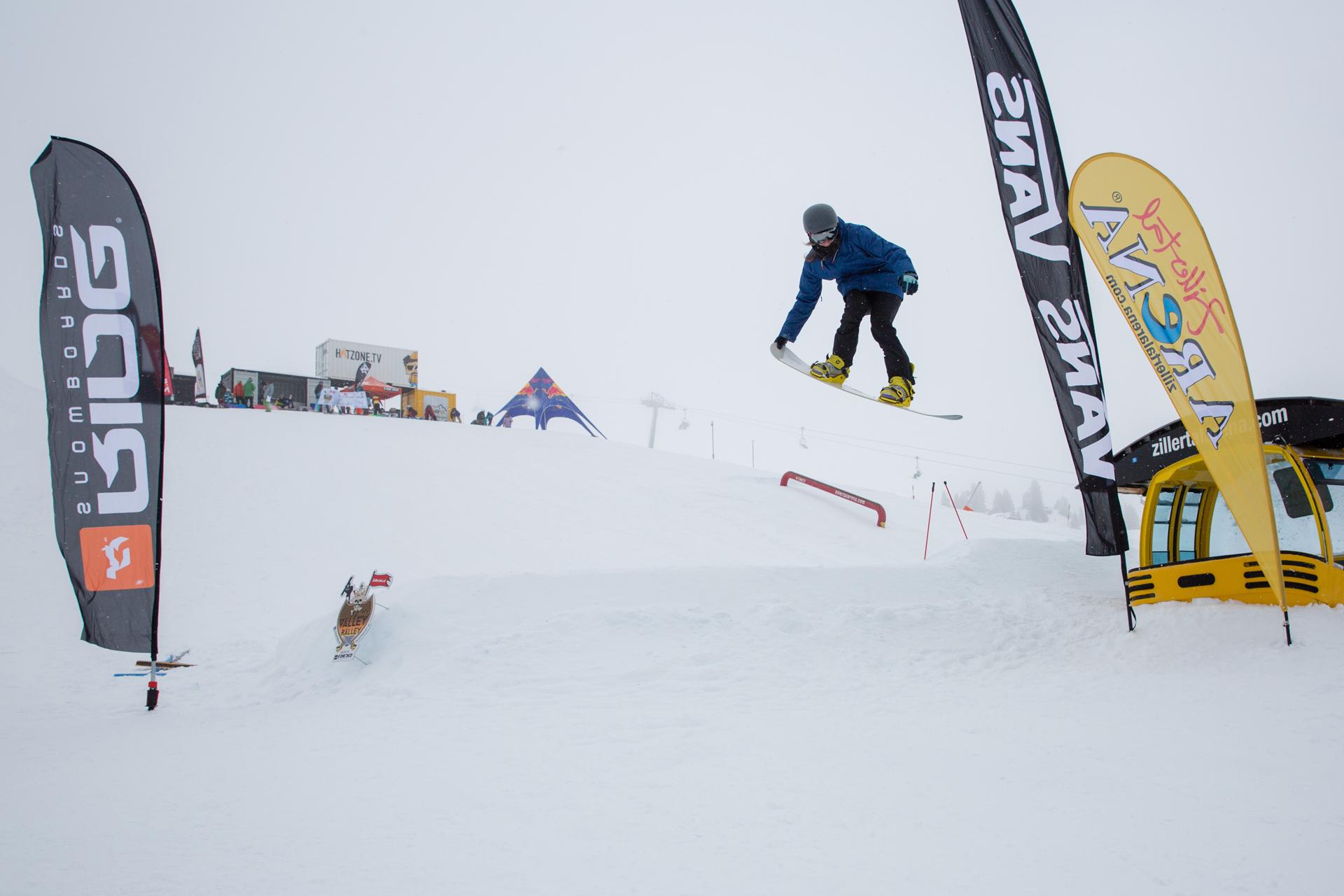 2. Tourstop Zillertal Arena - Snowpark Gerlos - Rider: Pilar De La Cruz - Foto: Matt McHattie