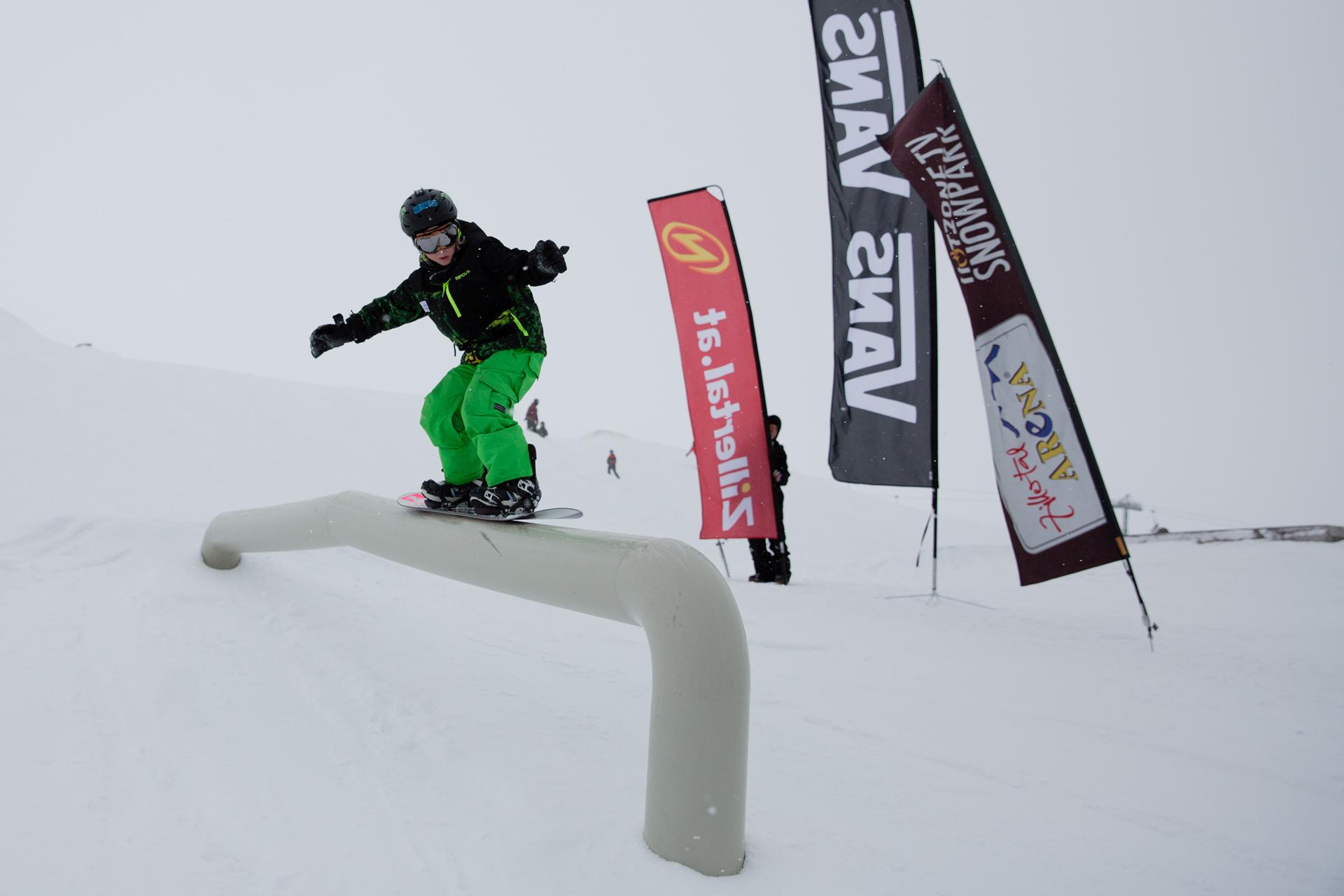 2. Tourstop Zillertal Arena - Snowpark Gerlos - Rider: Tobias Jank - Foto: Matt McHattie