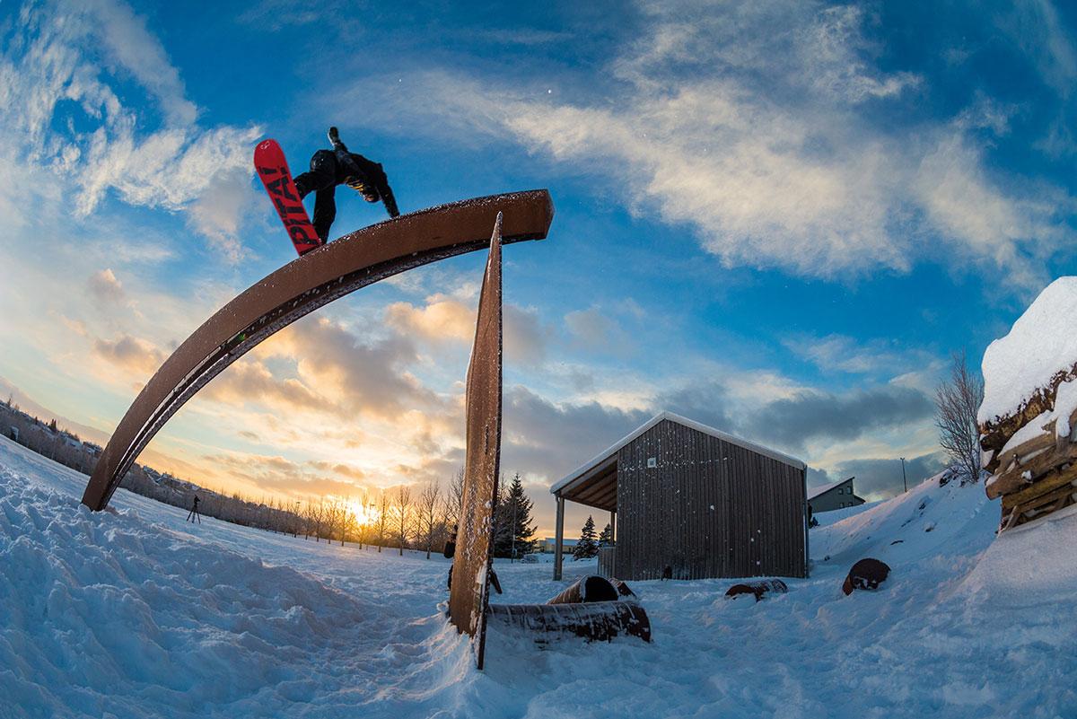 Snowboarden in Island