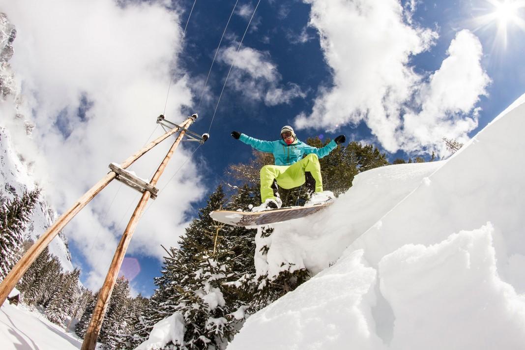 Prime-Snowboarding-Livingroom-Freeride-Header