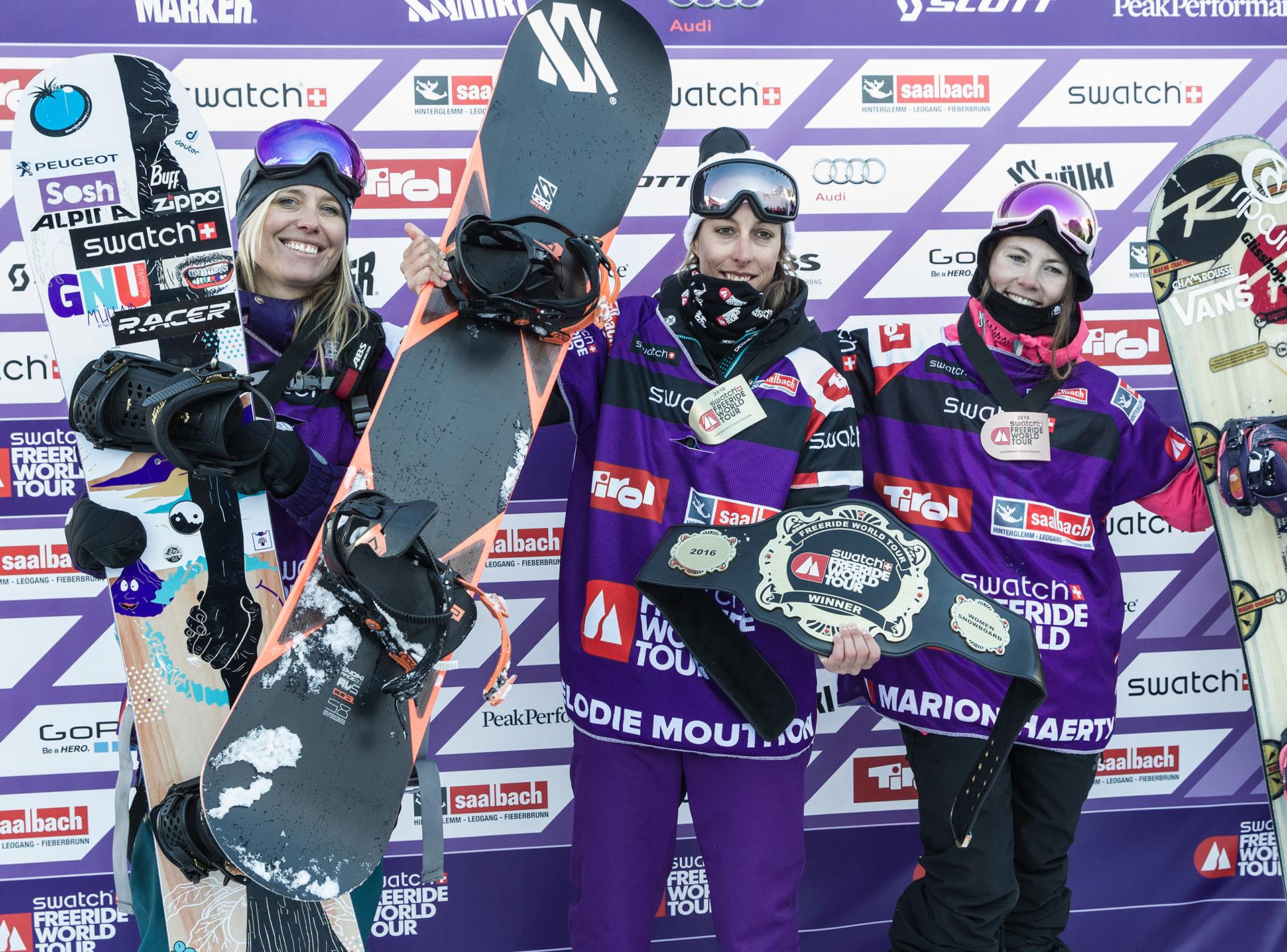 Das Podium der Ladies: Marion Haerty, Elodie Mouthon, Anne-Flore Marxer - Foto: M. Knoll / freerideworldtour.com