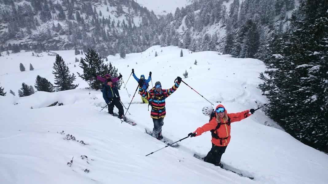 Sehen aus wie Pommesrutscher, sind aber Snowboarder! - Split & Freeride Camps 2016 in Obergurgl Hochgurgl - Recap