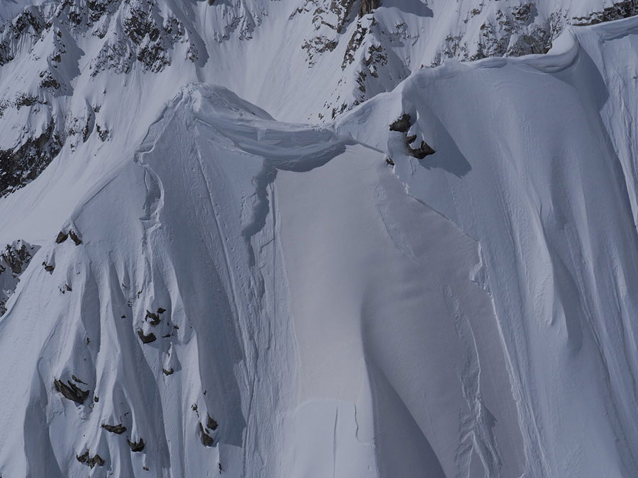 Prime-Snowboarding-Magazine-Estelle-Balet-Lawine