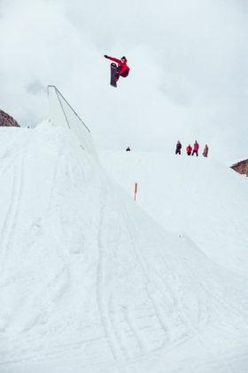 http://prime-snowboarding.de/wp-content/uploads/2016/04/Prime-Snowboarding-Magazine-Turnin-Tumblin-Flo-Thaler-by-Flo-Trattner.jpg