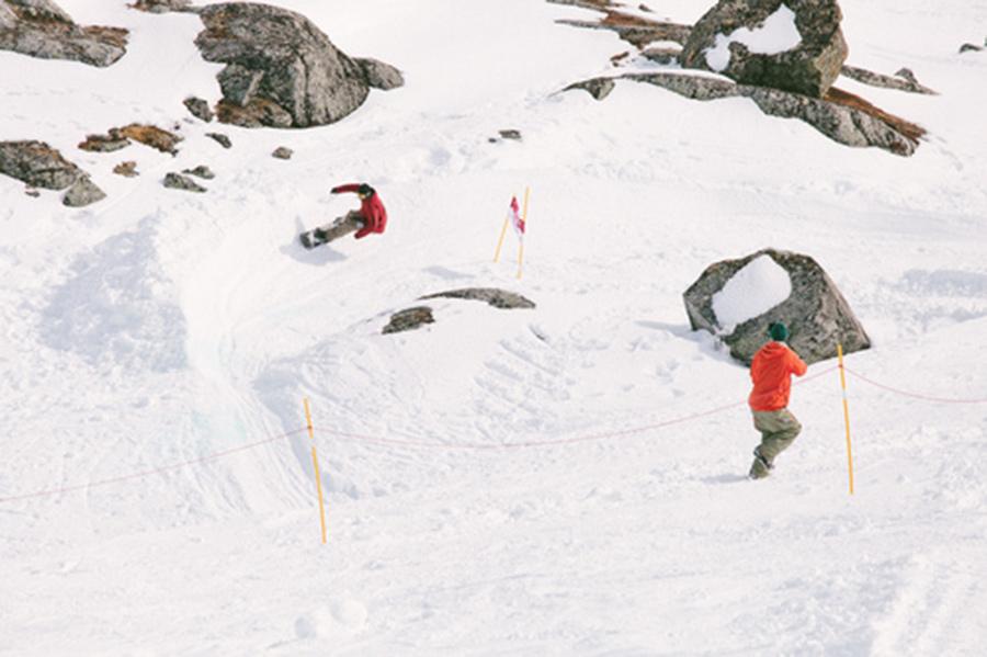 Prime-Snowboarding-Magazine-Riks-Banked-Slalom-Lucas-Nilsson