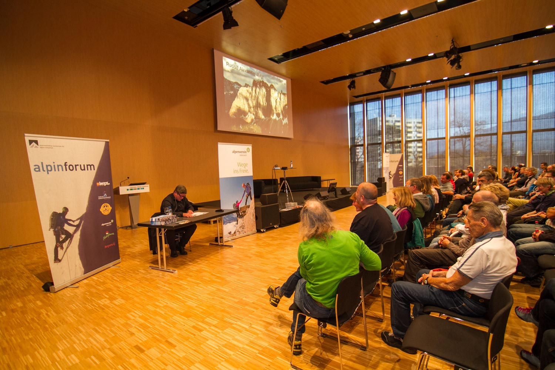Es gibt nicht nur neue Produkte, sondern auch jede Menge Vorträge, Workshops und Ausstellungen auf der Alpinmesse Innsbruck