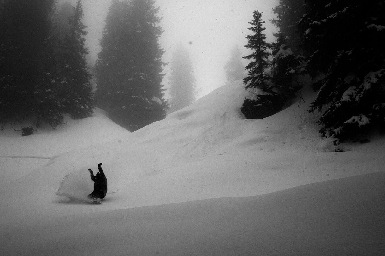 prime-snowboarding-lukas-ellensohn-theo-acworth-differentdirection-01