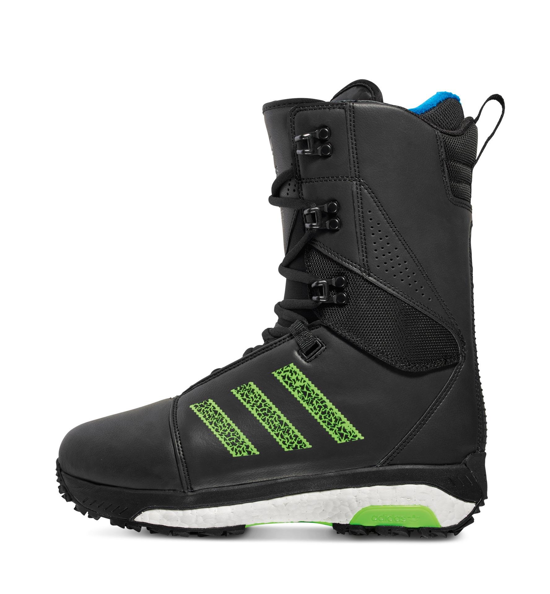 Präzise Passform: Der Innenschuh kann durch Erhitzen perfekt an den Fuß angepasst werden; das Power-Lacing-Schnürsystem erlaubt individuelle Fixierung der oberen und unteren Zone des Schuhs.