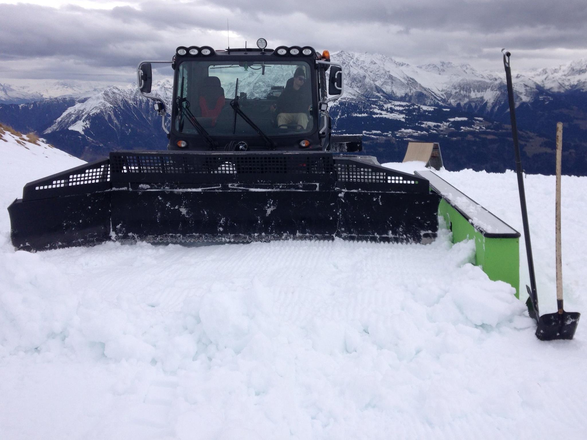 NoName Setup Opening Weekend - Snowpark Laax