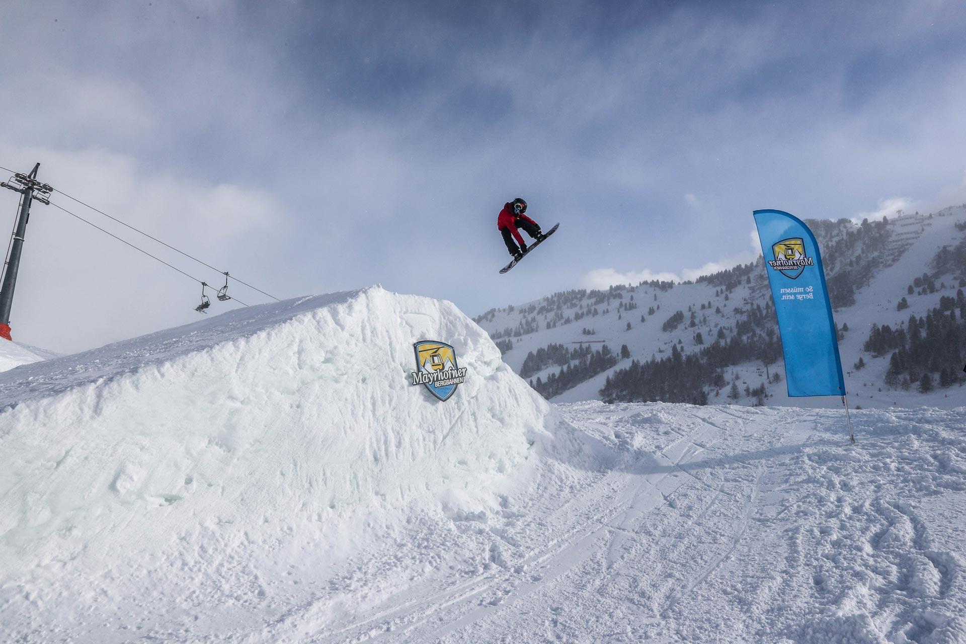 Sorgten für viel Airtime: Die Groms und Rookies bei den Vans Groms Open 2017 in Mayrhofen.