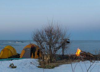 Nur was für Abgehärtete: Beach-Life im Hokkaido-Style   © Aaron Jamieson