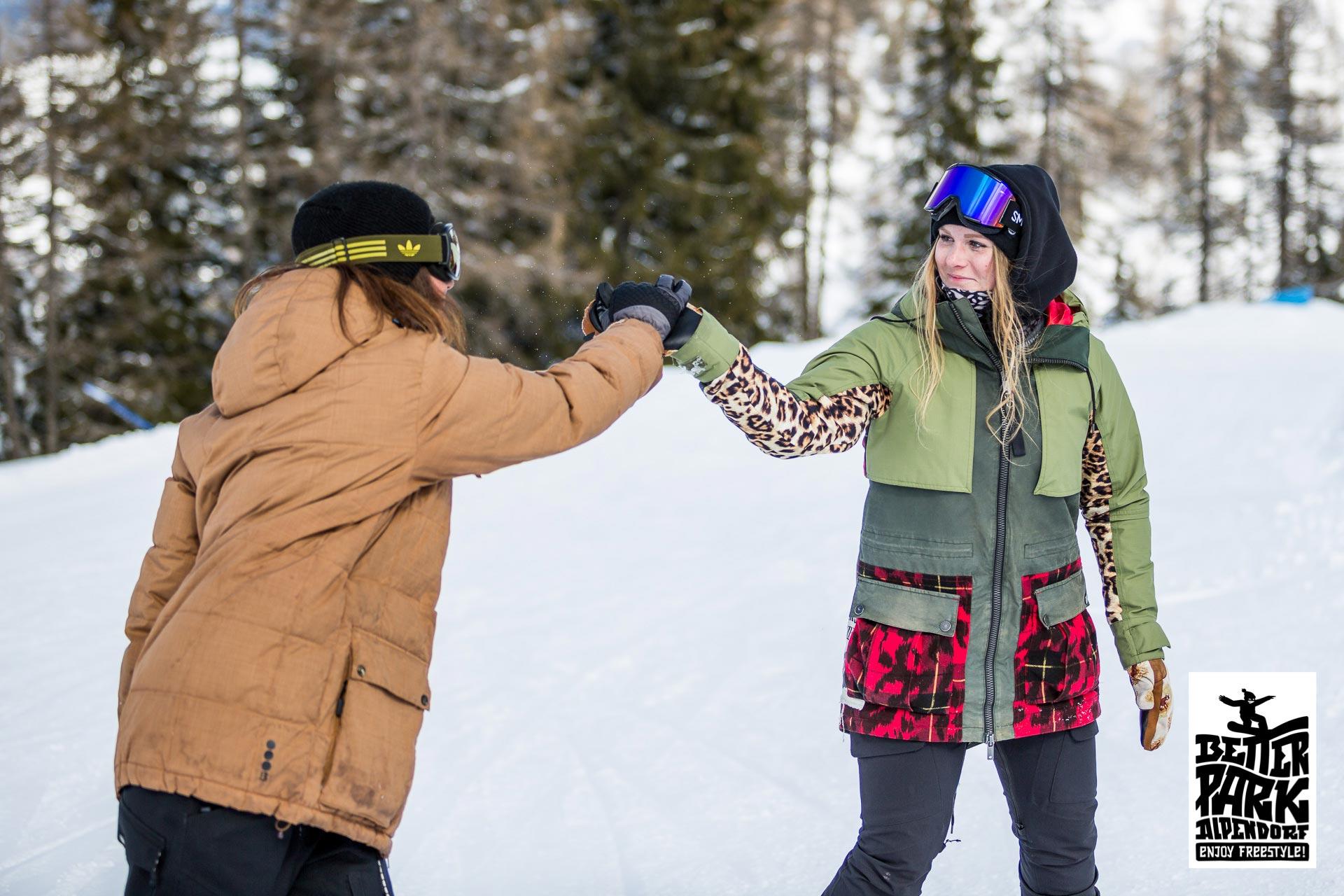 Das Freestyle Wochenende ist die perfekte Möglichkeit, um die ganze Familie glücklich zu machen und an das Thema Freeski heranzuführen - Foto: Gert Perauer