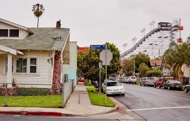 Die Big Air-Rampe wirkt in Kalifornien wie ein Ding aus einer fremden Welt