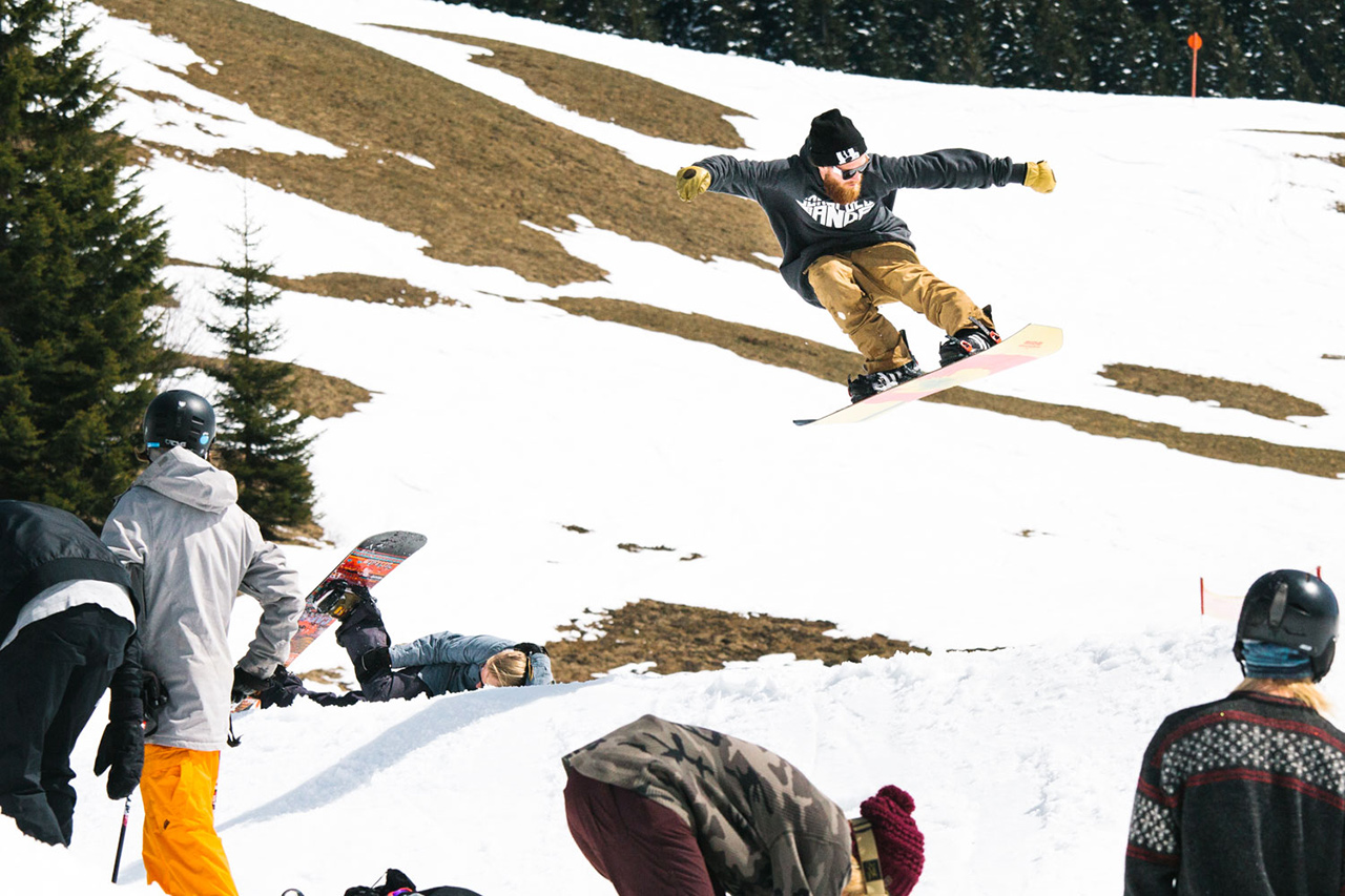 Keep Snowboarding ist Teamwork! | © Keep Snowboarding/Theo Acworth