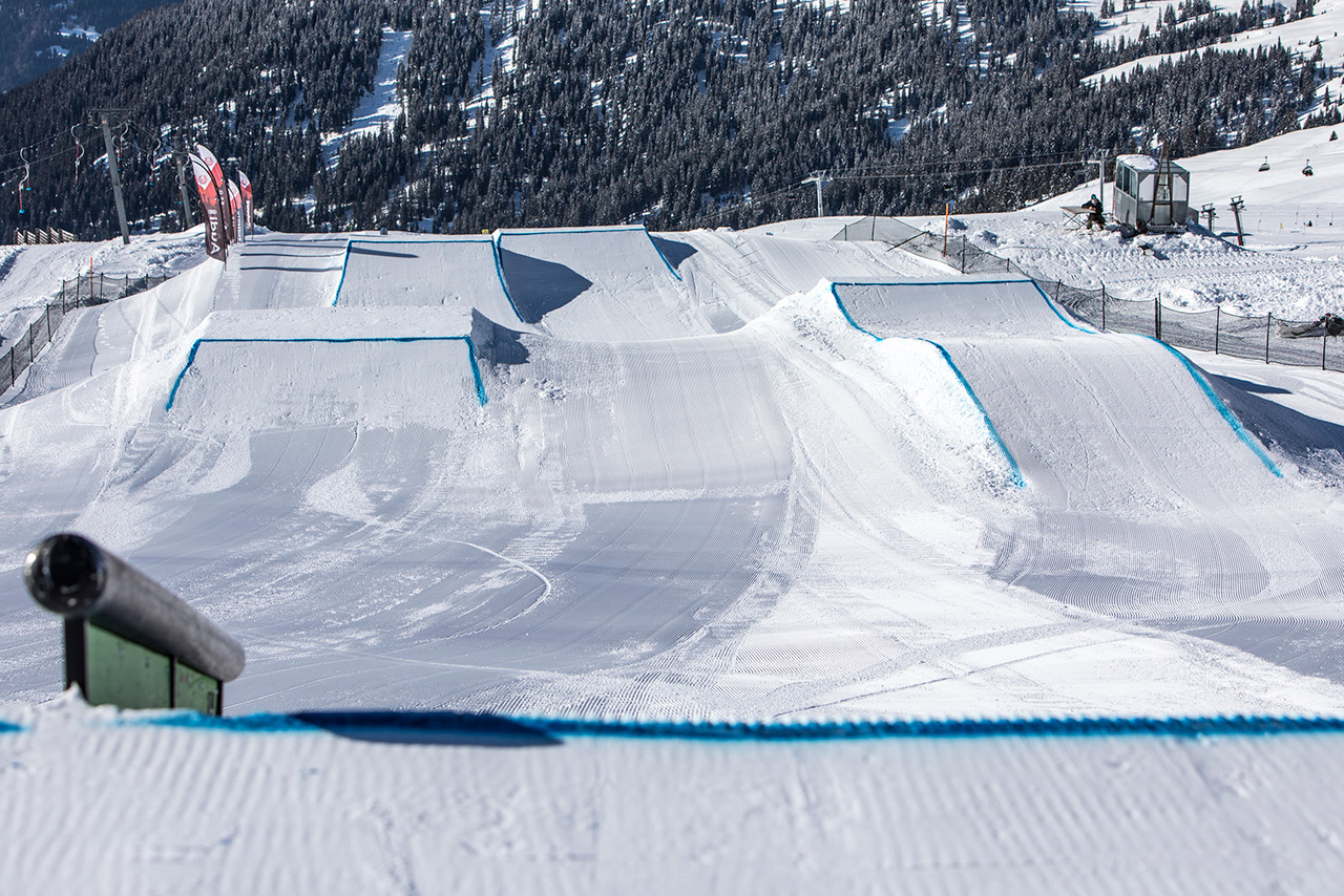 Perfekter Slopestyle, perfektes Wetter... was will man mehr? | © LAAX