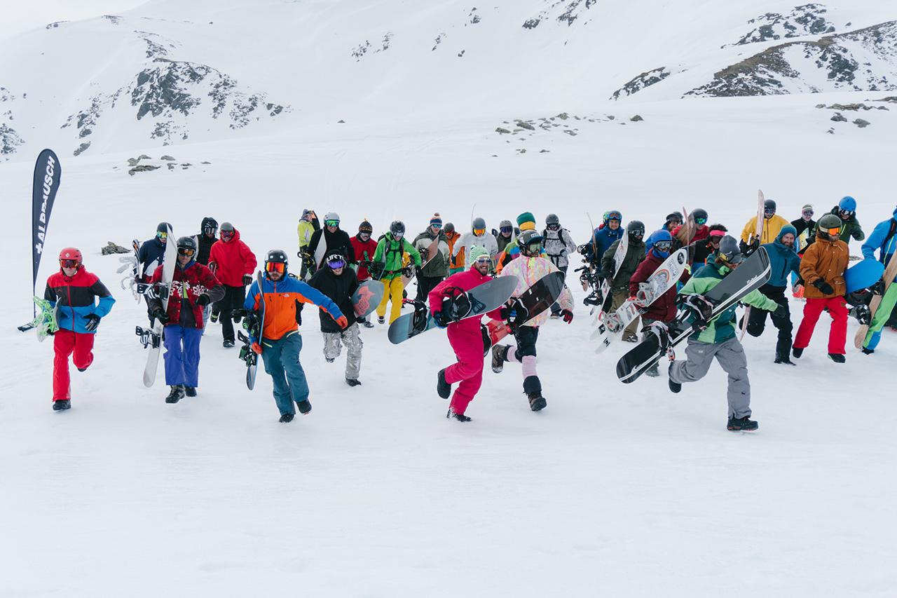 Das Adrenalin wird beim Massenstart ordentlich in die Höhe getrieben | © LBC/Sam Oetiker