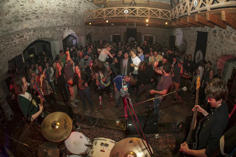 In Kaprun steigt wieder die Volcom Castle Rock Out-Party | © Kitzsteinhorn