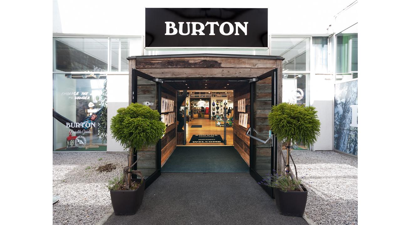 Der Eingang des Burton-Stores in Innsbruck | © Burton