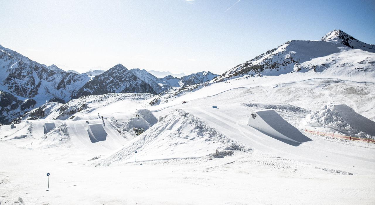 Kaiserwetter und ein top geshapter Park | © Stubai Premiere