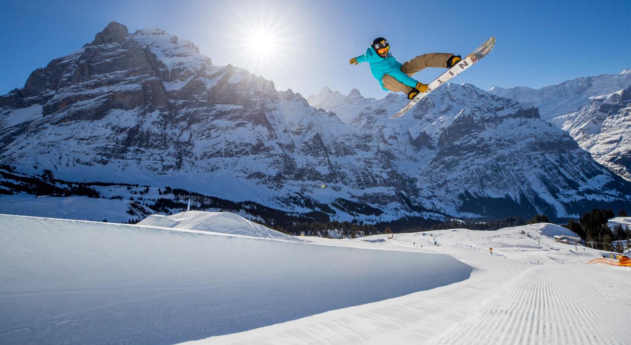 Gian Simmen weiß auch 20 Jahre nach seinem Sieg in Nagano noch wie man richtig Pipe fährt! |©Snowpark Grindelwald-First