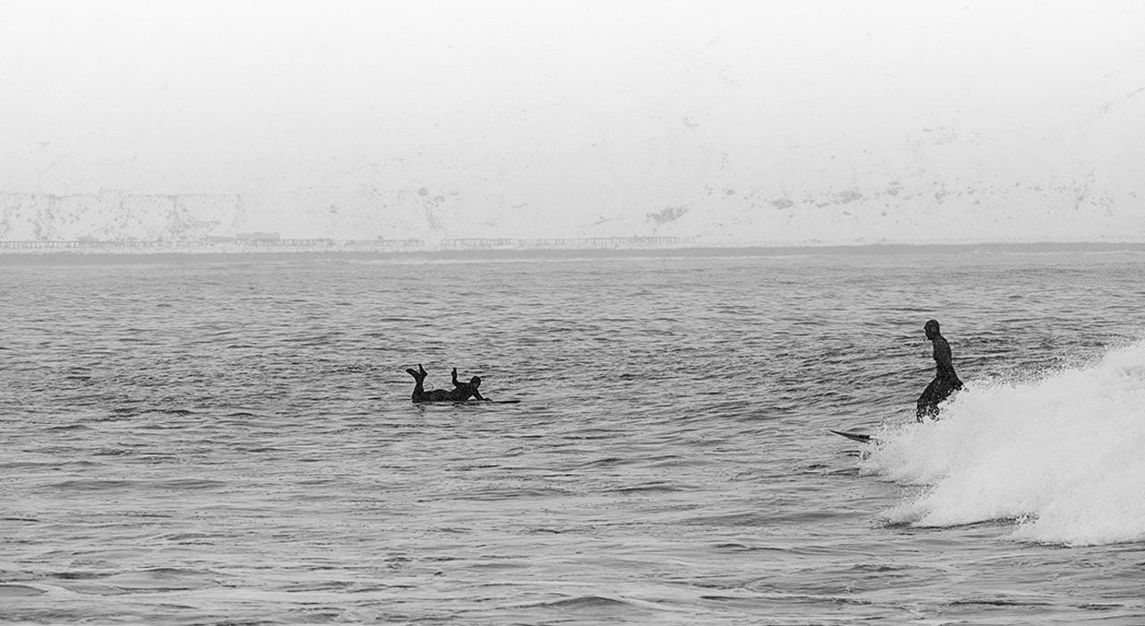 Eine Surf-Session in Island hält nicht jeder aus |©Andres Beregovich
