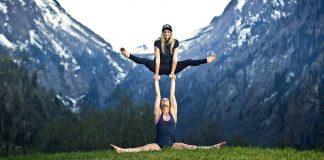 Prime-Snowboarding-Anna-Eva-Gasser-Sister-Act-02