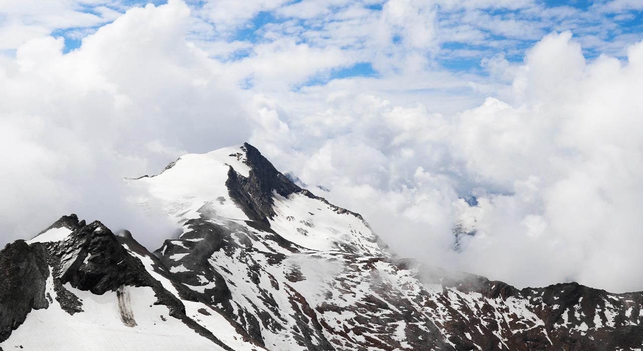 Wie hilft einem die Beobachtung der Wolken bei der Einschätzung des Wetters?