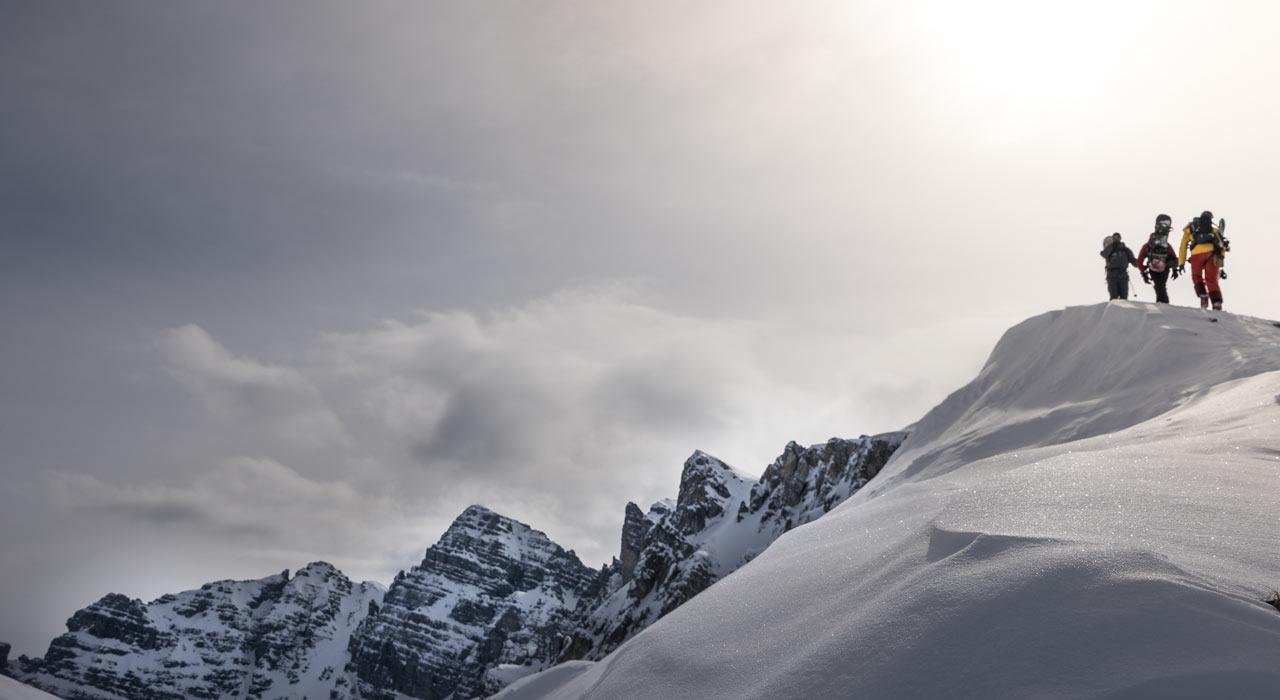 Mit dem Splitboard lassen sich die Berge in ihrer ganzen Schönheit am besten erkunden |©The Choice/Fiona Stappmanns