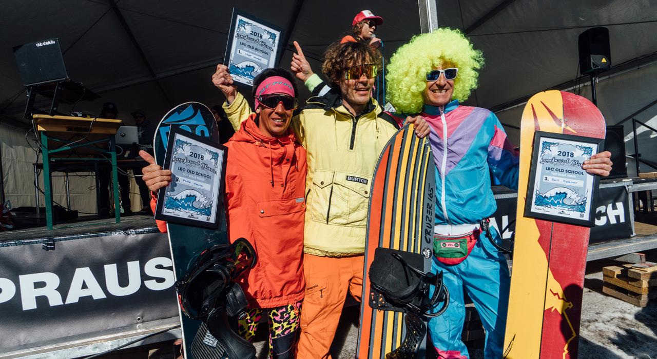 Kategorie OLD SCHOOL MEN: Platz 2 Phillip Wenter, AUT, Platz 1 Matt Waibel, SUI, Platz 3 Bertl Kletzmair, AUT |©Sam Oetiker