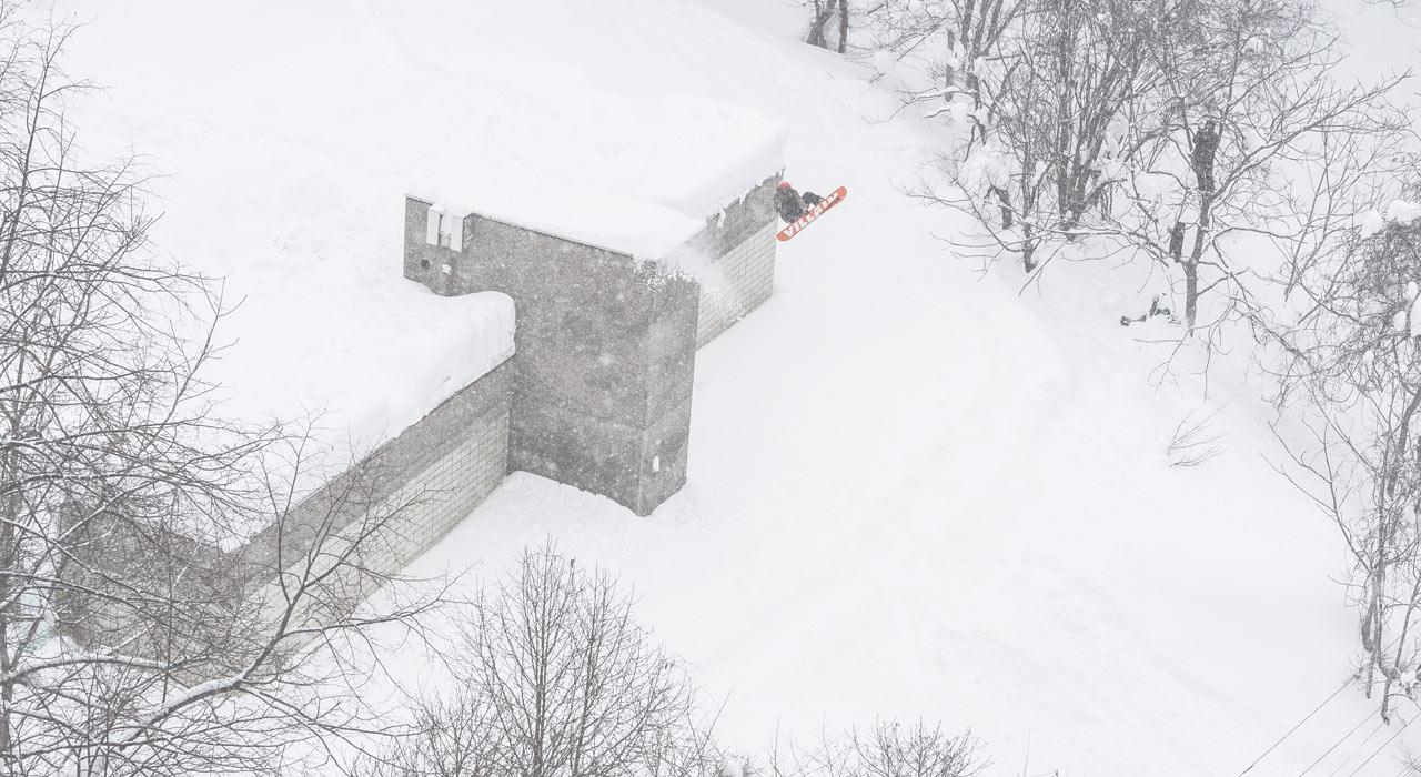 Prime-Snowboarding-Trick-of-the-week-Louif-Paradis-09