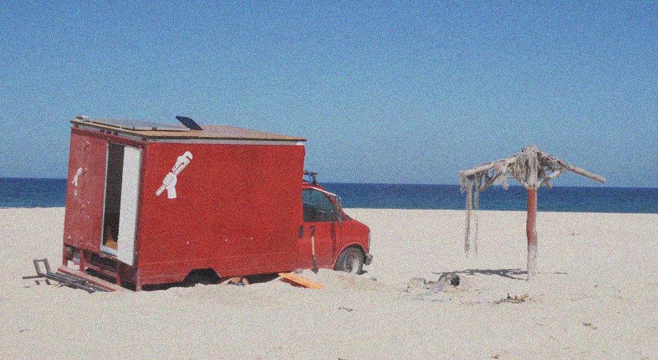 """Austin's """"Baja Box"""" - festgefahren im mexikanischen Sand"""