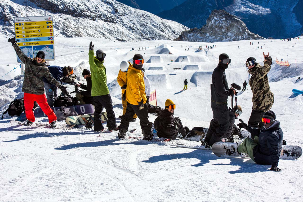 Prime-Snowboarding-Hotzine-Park-Opening-2018-01