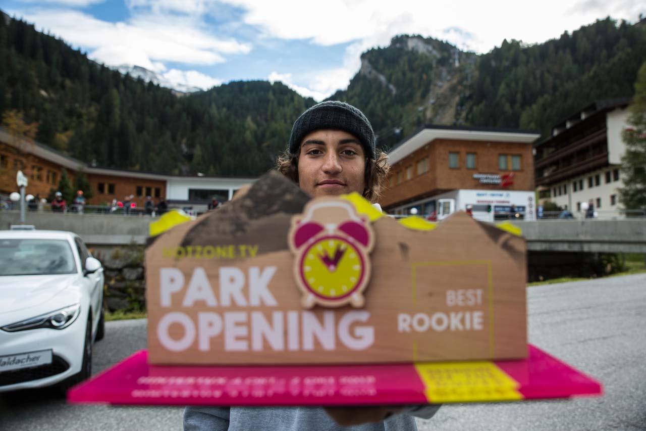 Leon Vockensperger gewinnt die Best Rookie-Kategorie bei der Session of the Dudes |©MonEpic