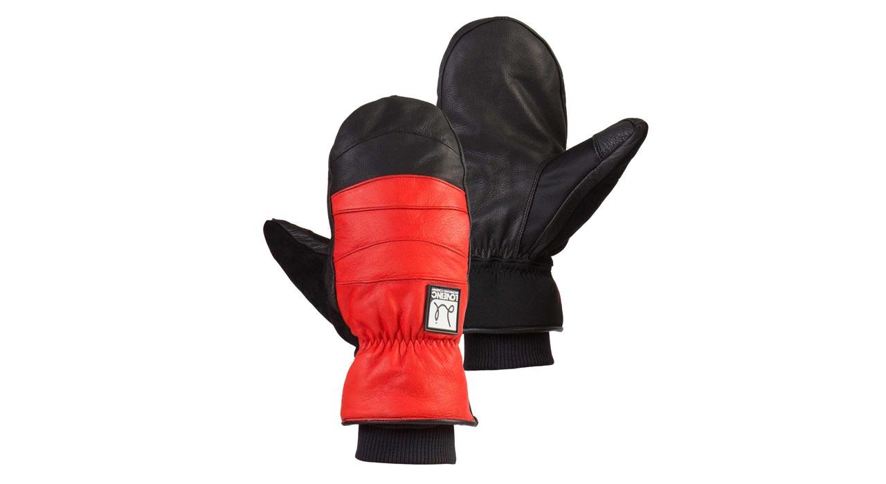 Chillton, Red/Black |©Love Inc Snowboard Company