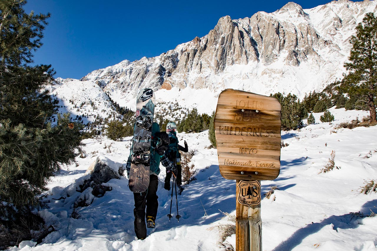 Jeremy und Elena auf den Spuren von John Muir |©Jones Snowboards/Andrew Miller