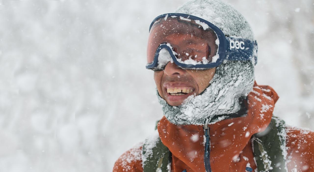 Taro Tamai, Snowsurfer, Patagonia-Ambassador & Gründer von Gentemstick, an seinem Lieblings-Ort: Dem Wald |©Patagonia