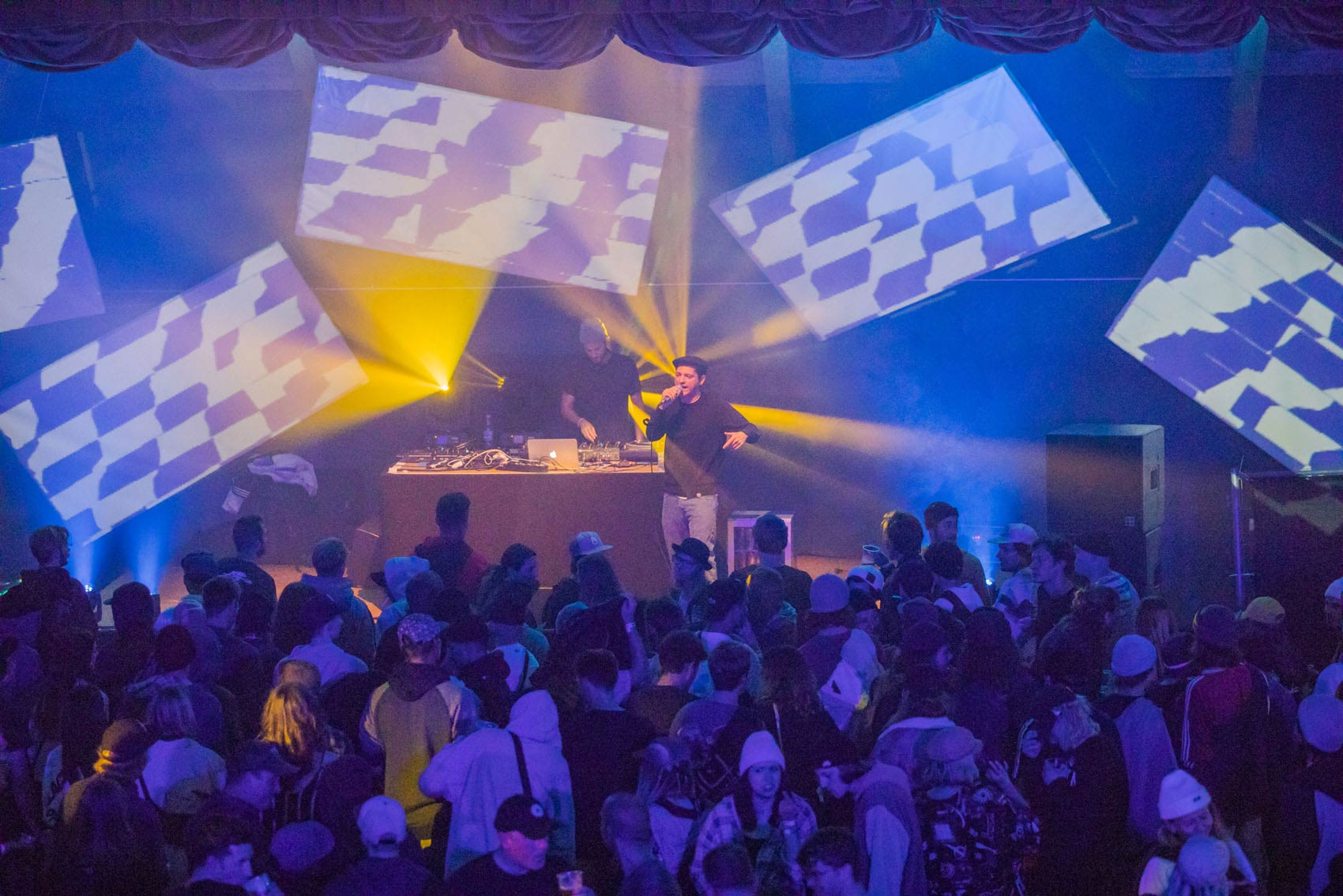 """Bis zum Morgen wurde im Rahmen des """"Club Circle"""" beim Kaunertal Opening 2018 in drei verschiedenen Locations in Feichten gefeiert - Foto: GotIt"""