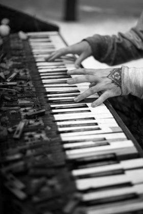 Brandon Cocard aka Piano Man #3 |©Danny Kern