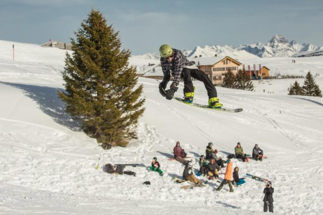 Prime-Snowboarding-Riding-Smileways-Lukas-Ellensohn-01