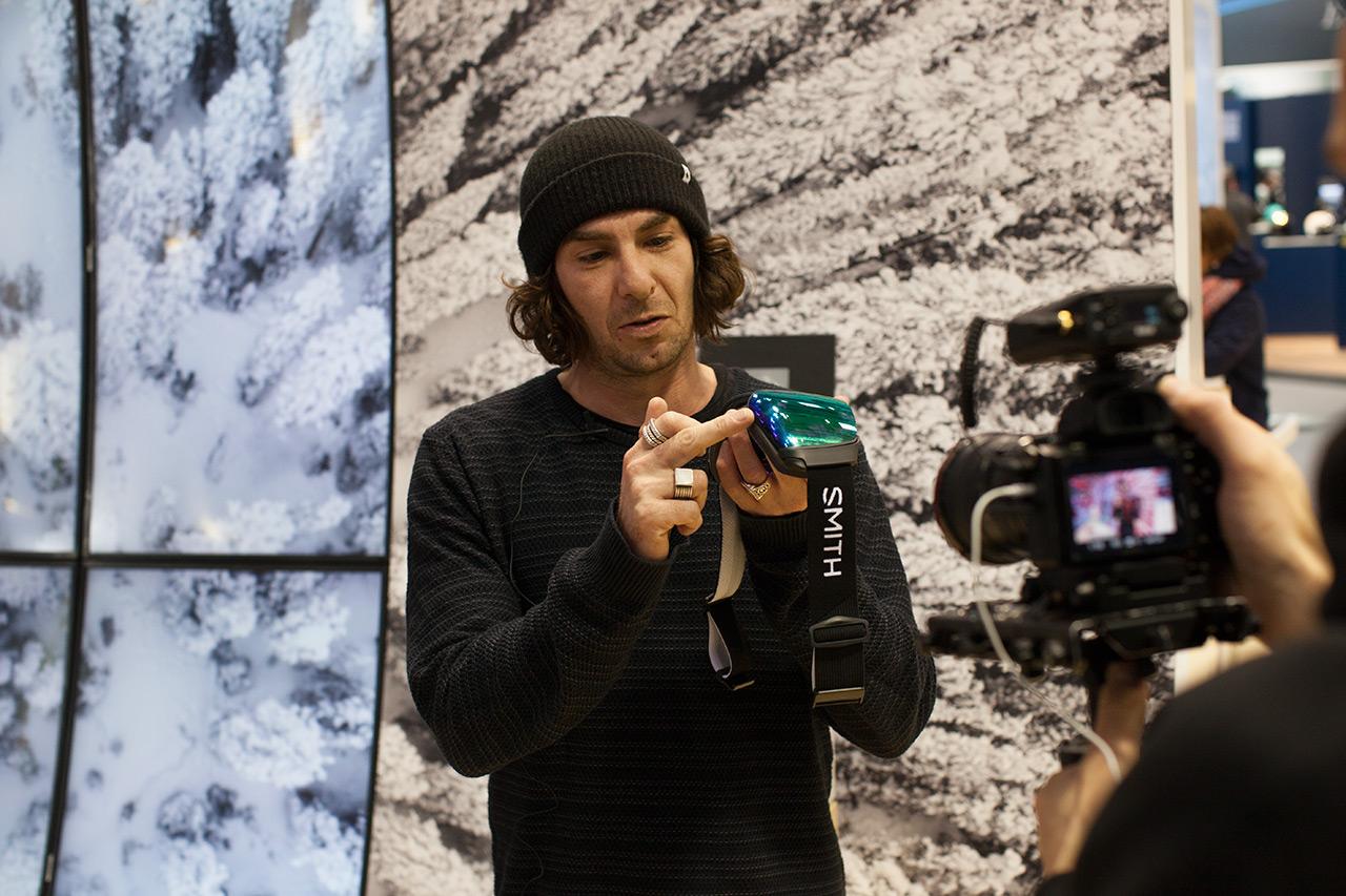 Smith's Flo Rhiemeier nimmt sich für uns die Zeit, die Highlights der neuen Saison vor unsere Kameras zu bringen |©Prime Snowboarding Magazine
