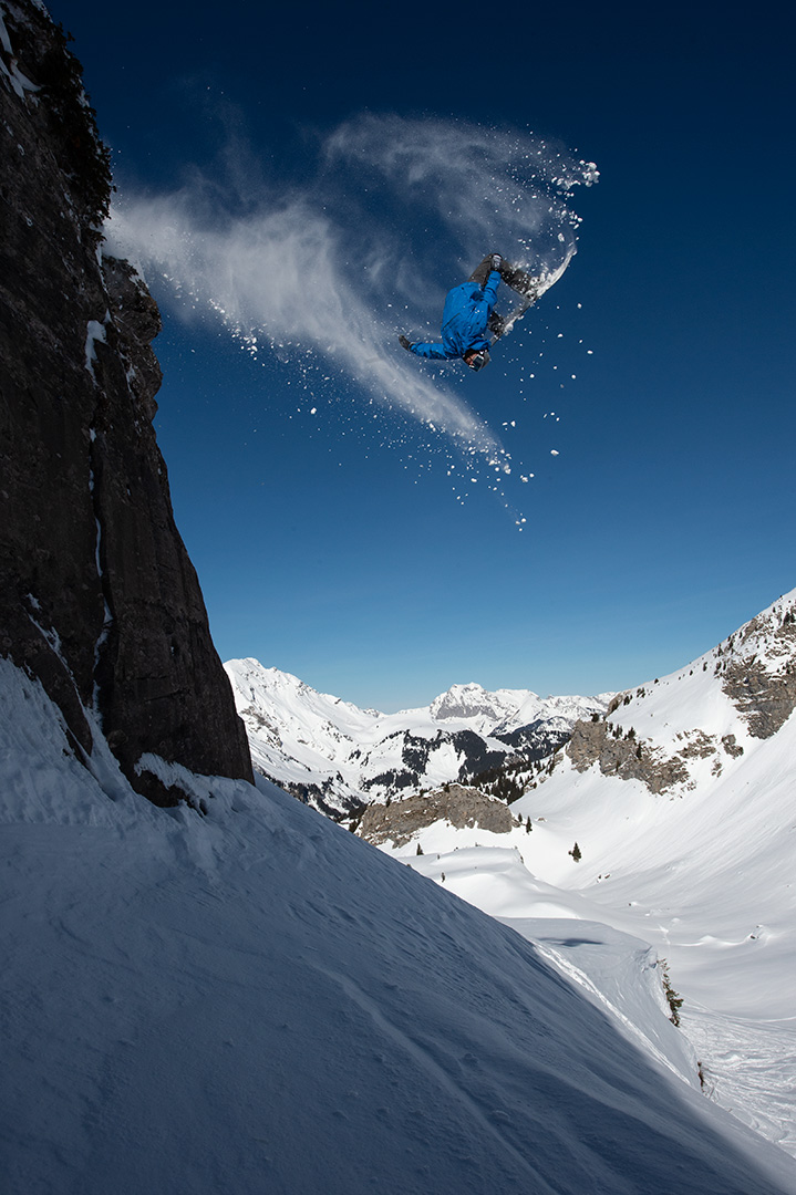 Backflips scheinen heute noch genau so viel Spaß zu machen wie früher  ©Oakley/Danny Burrows