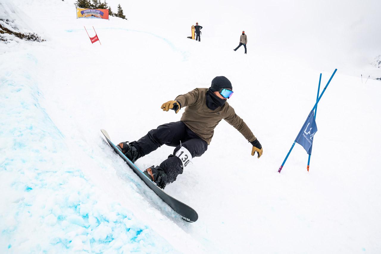 Xavier de le Rue hatte offensichtlich mords Spaß beim Sudden Rush Banked Slalom in Laax |©Philipp Ruggli