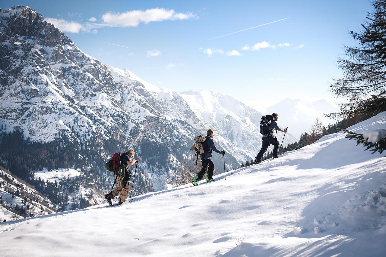 Die Jungs auf Splitboardtour südlich des Brennerpasses |©Yann Mayer