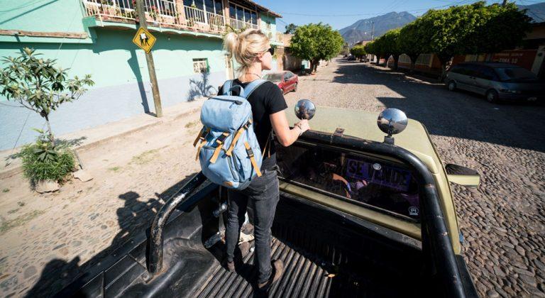 Julia Hoffmann unterwegs mit dem Mission Pro |©Evoc/Baschi Bender