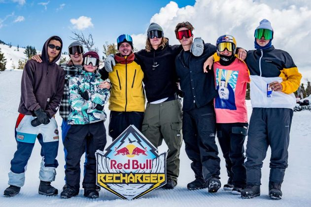 Team McMorris: Russell Chai, Mikey Ciccarelli, Judd Henkes, Mark McMorris, Sebbe De Buck, Scotty James, Toby Miller, Craig McMorris | © Tom Monterosso/Red Bull Content Pool