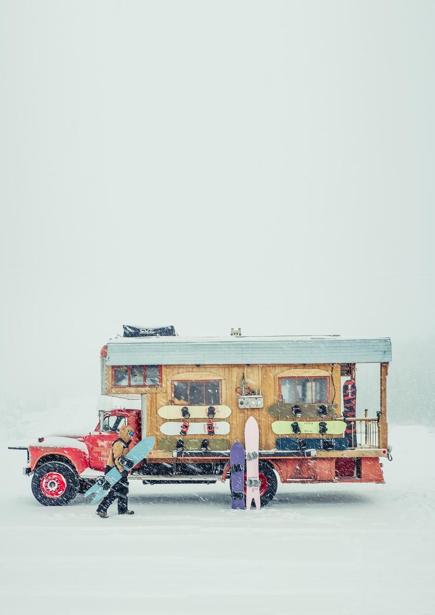 Offline Teaser Nitro Snowboards - Nitro OFFLINE firetruck - Austin Smith