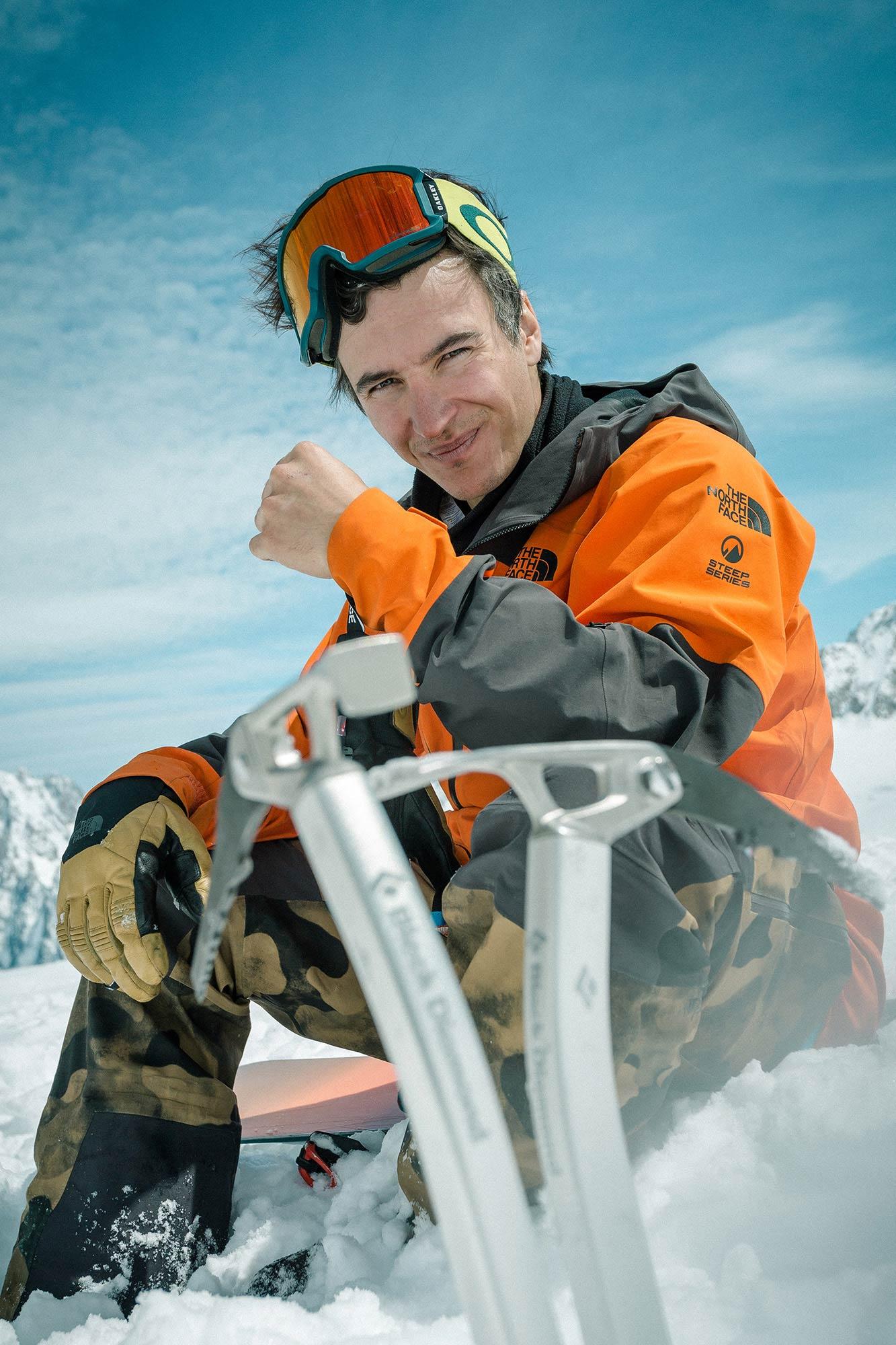 Ist ab sofort auf Jones Snowboards unterwegs: Der Franzose Victor De Le Rue - Foto: Fabian Bodet