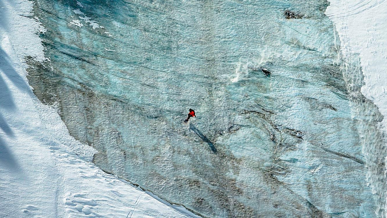Neu im Jones Snowboards Team: Victor De Le Rue